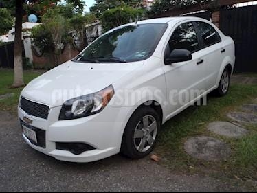 Foto venta Auto Seminuevo Chevrolet Aveo LS Aa Radio Aut (Nuevo) (2015) color Blanco precio $99,800