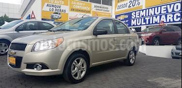 Foto venta Auto Seminuevo Chevrolet Aveo LTZ (2015) color Dorado precio $140,900