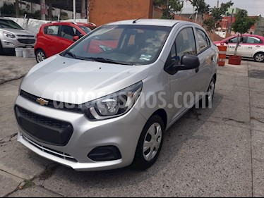 Foto venta Auto Seminuevo Chevrolet Beat LT (2018) color Plata precio $156,000