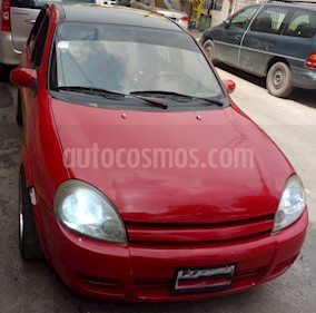 Foto venta Auto Seminuevo Chevrolet Chevy 5P Monza (2005) color Rojo precio $45,000