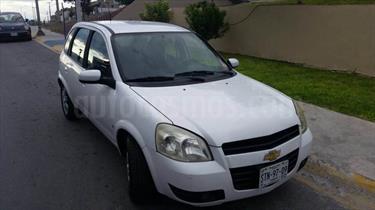 Foto venta Auto usado Chevrolet Chevy 5P Paq C (2009) color Blanco Nacarado precio $72,000