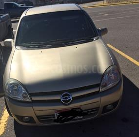 Foto venta Auto Seminuevo Chevrolet Chevy 5P Paq D (2007) color Dorado precio $55,000