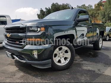 Foto venta Auto Usado Chevrolet Cheyenne 2500 4x4 Cab Reg LT Z71 (2017) color Gris precio $530,000