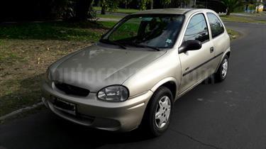 Foto Chevrolet Corsa Hatchback 1.6 Swing
