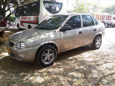 Foto venta Carro Usado Chevrolet Corsa 1.4 Sinc 4P (2003) color Gris Niebla precio $11.000.000