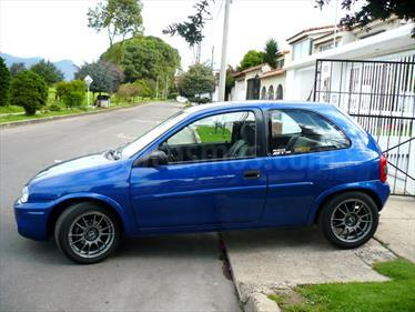 Foto Chevrolet Corsa 3 Puertas Sinc. A-A usado (2007) color Azul precio u$s450.000