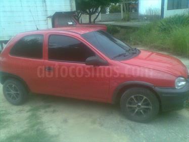 Foto venta carro usado Chevrolet Corsa 3 Puertas Sinc. A-A (2004) color Rojo precio u$s36.000