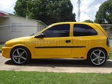 Chevrolet Corsa 3 Puertas Sinc. A-A usado (2007) color Amarillo precio u$s150.000