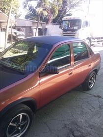 Foto venta carro usado Chevrolet Corsa 4 Puertas Sinc. A-A (1998) color Naranja Metalico precio u$s900.000