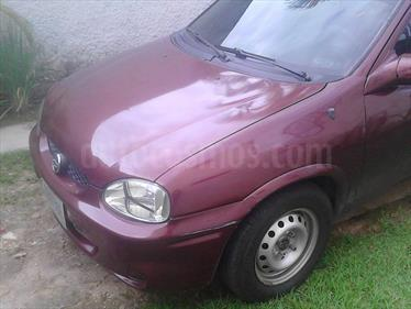 Foto venta carro usado Chevrolet Corsa 4 Puertas Sinc. A-A (2002) color Rojo precio u$s1.800