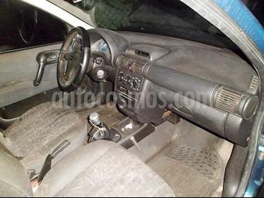 Foto venta carro Usado Chevrolet Corsa 4 Puertas Sinc. A-A (2000) color Verde precio u$s1.700