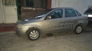 Foto venta Auto Seminuevo Chevrolet Corsa 4P 1.8L Comfort A (2004) color Gris Plata  precio $41,000