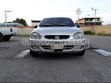 Foto venta carro Usado Chevrolet Corsa 4p A-A L4,1.6i,8v A 1 1 (2004) color Plata precio u$s1.600