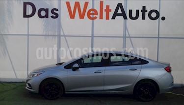 Foto venta Auto Usado Chevrolet Cruze LS (2017) color Plata Brillante precio $250,000