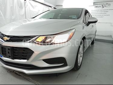 Foto venta Auto Seminuevo Chevrolet Cruze LS (2017) color Plata Brillante precio $215,000