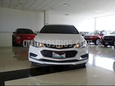 Foto venta Auto Seminuevo Chevrolet Cruze LS (2017) color Blanco