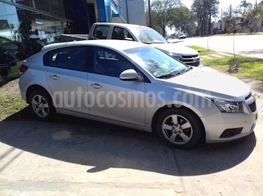 Foto venta Auto Usado Chevrolet Cruze LT (2012) color Plata precio $280.000