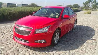 Foto venta Auto usado Chevrolet Cruze Paq M (2010) color Rojo Autentico precio $118,000