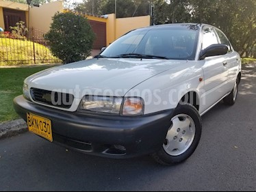 Foto venta Carro Usado Chevrolet Esteem 13 L Manual (1998) color Blanco precio $9.900.000