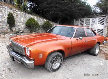 Foto venta carro usado Chevrolet Malibu 8 cilindros (1976) color Naranja precio u$s2.800