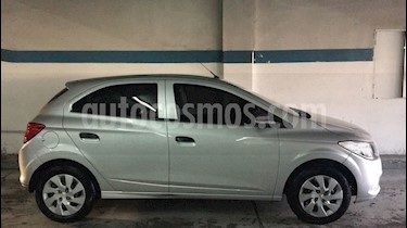 Foto venta Auto Usado Chevrolet Onix LT (2015) color Plata Switchblade precio $258.900