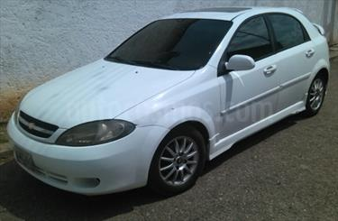 Foto Chevrolet Optra Advance 1.8L usado (2007) color Blanco precio u$s1.450