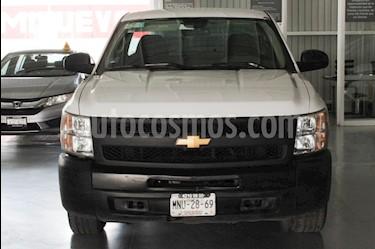 Foto venta Auto Seminuevo Chevrolet Silverado 1500 Cab Reg Paq A (2013) color Blanco precio $153,000