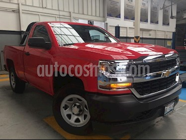 Foto venta Auto Usado Chevrolet Silverado 1500 Cab Reg WT (2017) color Rojo precio $389,000