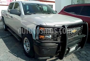 Foto venta Auto usado Chevrolet Silverado 2500 4x2 Doble Cabina LS (2015) color Gris Metalico precio $390,000