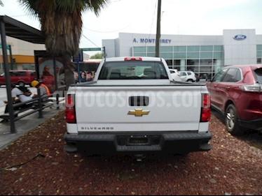 Foto venta Auto Usado Chevrolet Silverado 2500 4x2 Doble Cabina LS (2017) color Blanco precio $485,000