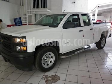 Foto venta Auto Seminuevo Chevrolet Silverado 2500 4x4 Doble Cabina LS (2013) color Blanco precio $285,000