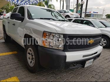 Foto venta Auto Seminuevo Chevrolet Silverado 2500 4x4 Doble Cabina LS (2012) color Blanco Olimpico precio $249,000
