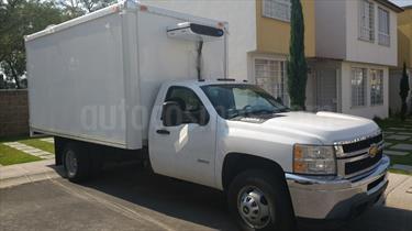 Foto venta Auto Seminuevo Chevrolet Silverado 3500 Chasis Cabina Paq A (2012) color Blanco precio $590,500