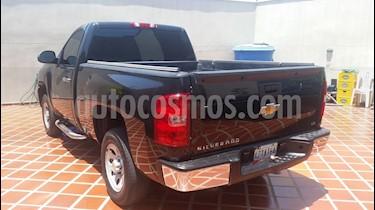 Foto venta carro Usado Chevrolet Silverado LS 5.3L Cabina Simple 4x4 (2011) color Negro precio BoF8.700