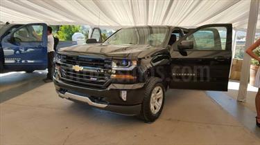 Foto venta carro usado Chevrolet Silverado LT 5.3L Doble Cabina 4x4 (2014) color Plata precio BoF87.920.000