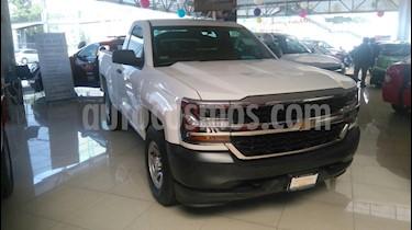 Foto venta carro usado Chevrolet Silverado LT 5.3L Doble Cabina 4x4 (2016) color Blanco Glaciar precio BoF1.863.176.328