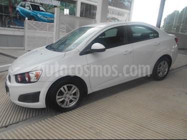Foto venta Auto Seminuevo Chevrolet Sonic LT (2015) color Blanco precio $149,000