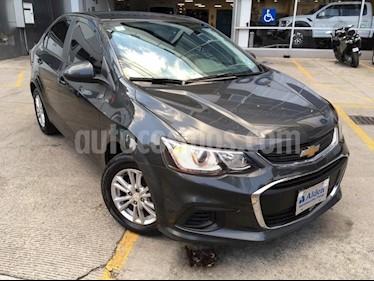 Foto venta Auto Seminuevo Chevrolet Sonic LT (2017) color Gris precio $188,000