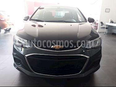 Foto venta Auto Seminuevo Chevrolet Sonic LT (2017) color Gris Ceniza