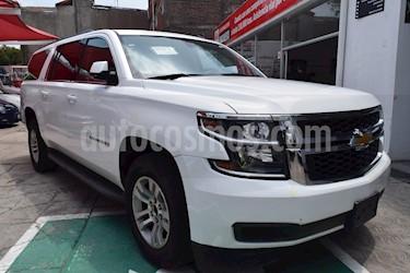 Foto venta Auto Seminuevo Chevrolet Suburban LS Tela (2016) color Blanco precio $568,000