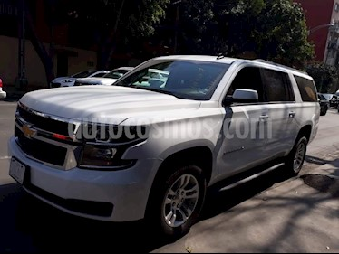 Foto venta Auto Seminuevo Chevrolet Suburban LS Tela (2017) color Blanco