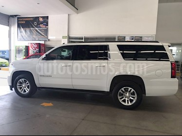 Foto venta Auto Seminuevo Chevrolet Suburban LT Tela (2015) color Blanco precio $549,000