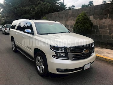 Foto venta Auto Seminuevo Chevrolet Suburban LTZ 4x4 (2015) color Blanco precio $655,000