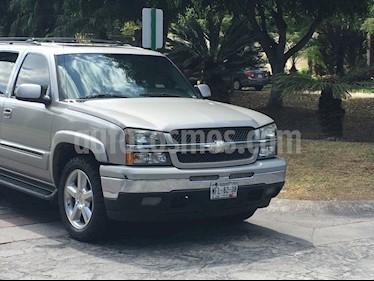 Foto venta Auto usado Chevrolet Suburban Paq D 4x4 (2006) color Gris precio $136,000