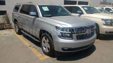 Foto venta Auto usado Chevrolet Suburban Paq D  (2016) color Plata Metalico precio $735,000