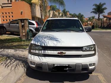 Foto venta Auto Seminuevo Chevrolet Trail Blazer 4x2 LT B (2005) color Blanco precio $70,000