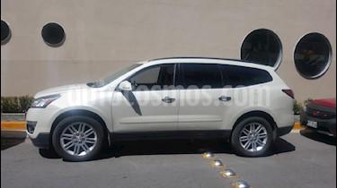 Foto venta Auto Seminuevo Chevrolet Traverse LT Piel (2015) color Blanco precio $350,000