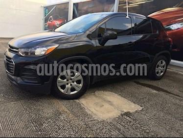 Foto venta Auto Seminuevo Chevrolet Trax LS (2017) color Negro precio $232,900