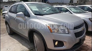 Foto venta Auto Seminuevo Chevrolet Trax LTZ (2015) color Plata precio $230,000