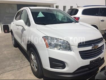 Foto venta Auto Seminuevo Chevrolet Trax PAQ B LT (2016) color Blanco Galaxia precio $240,000